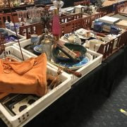 4 TRAYS OF COMMEMORATIVE CHINA & OTHER