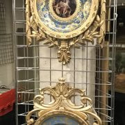 PAIR OF NEO CLASSICAL PORCELAIN PLATES IN ORNATE GILT FRAMES