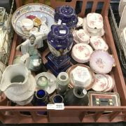 TRAY OF CHINA INCL. DRESDEN/ HEREND/ LIMOGE & WEDGWOOD