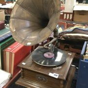 WIND UP HORN GRAMOPHONE