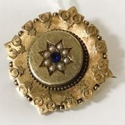 ANTIQUE 15CT GOLD SAPPHIRE & SEED PEARL BROOCH