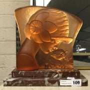 CARNELIAN GLASS FIGURAL RELIEF LAMP ON MARBLE BASE -24CM