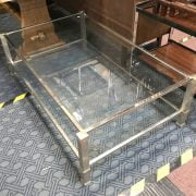 METAL & GLASS COFFEE TABLE IN GOOD CONDITION - LENGTH 127CM X WIDTH 78CM