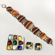 NORWEGIAN SILVER BROOCH & EARRINGS & SCOTTISH AGATE BRACELET