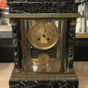 MARBLE CLOCK - TOP CHIPPED & LOOSE