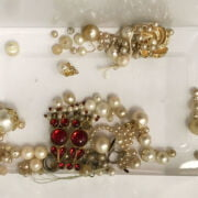 COSTUME JEWELLERY & OTHER ITEMS INCL. SILVER PENCIL