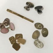 9CT GOLD TIE PIN & 9CT GOLD CUFFLINKS & 3 PAIRS SILVER WITH A SCARF