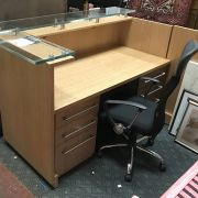 OFFICE DESK / 2 CABINETS / OFFICE CHAIR