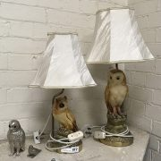 TWO OWL TABLE LAMPS & 2 METAL OWLS