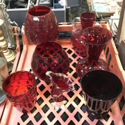 TRAY OF CRANBERRY ART GLASS INCLUDING MURANO VASE