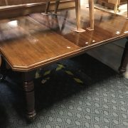 MAHOGANY WIND OUT TABLE