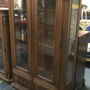 6FT 6IN MAHOGANY DISPLAY CABINET WITH DRAWERS