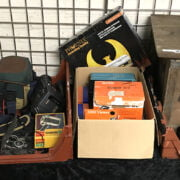 THREE TRAYS OF VARIOUS VINTAGE CAMERAS & PHOTOGRAPHIC EQUIPMENT