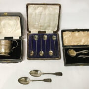 CASED SET OF HALLMARKED SPOONS & OTHER ITEMS