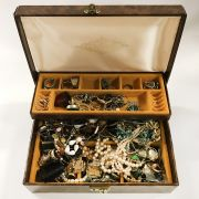 VARIOUS COSTUME JEWELLERY - SOME SILVER