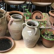LARGE COLLECTION OF ASSORTED GARDEN POTS