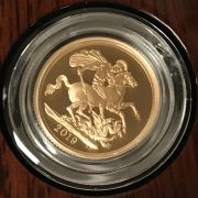 2019 GOLD PROOF SOVEREIGN - ROYAL MINT WITH FULL CERTIFICATE - PERFECT & UN...